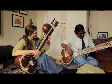 How to play the Sitar: Wilbur Sargunaraj feat: Chris Hale