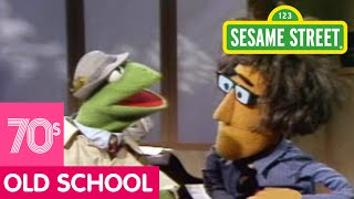 Sesame Street: Kermit News - Row Your Boat
