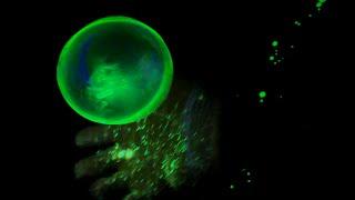 JUGGLE BUBBLES - How To Make Glowing Bouncing Juggle Bubbles At Home. (4K)