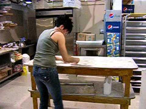 Bosnian girl making Burek (2)