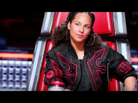 Alicia Keys​ responded to Adam Levine​'s no-makeup comment