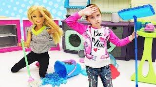 Фото Куклы Барби. К Барби приехала мама. Видео для девочек.