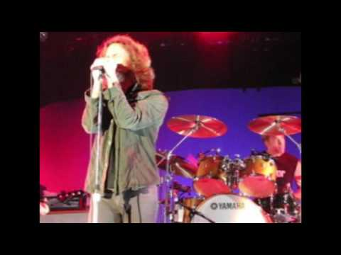 Pearl Jam - Palaisozaki, Turin, 09.19.2006