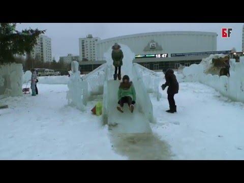 В Уфе потекли ледяные горки