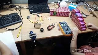 Дети собирают батарею 10x5s на 36v из 50 элементов 18650