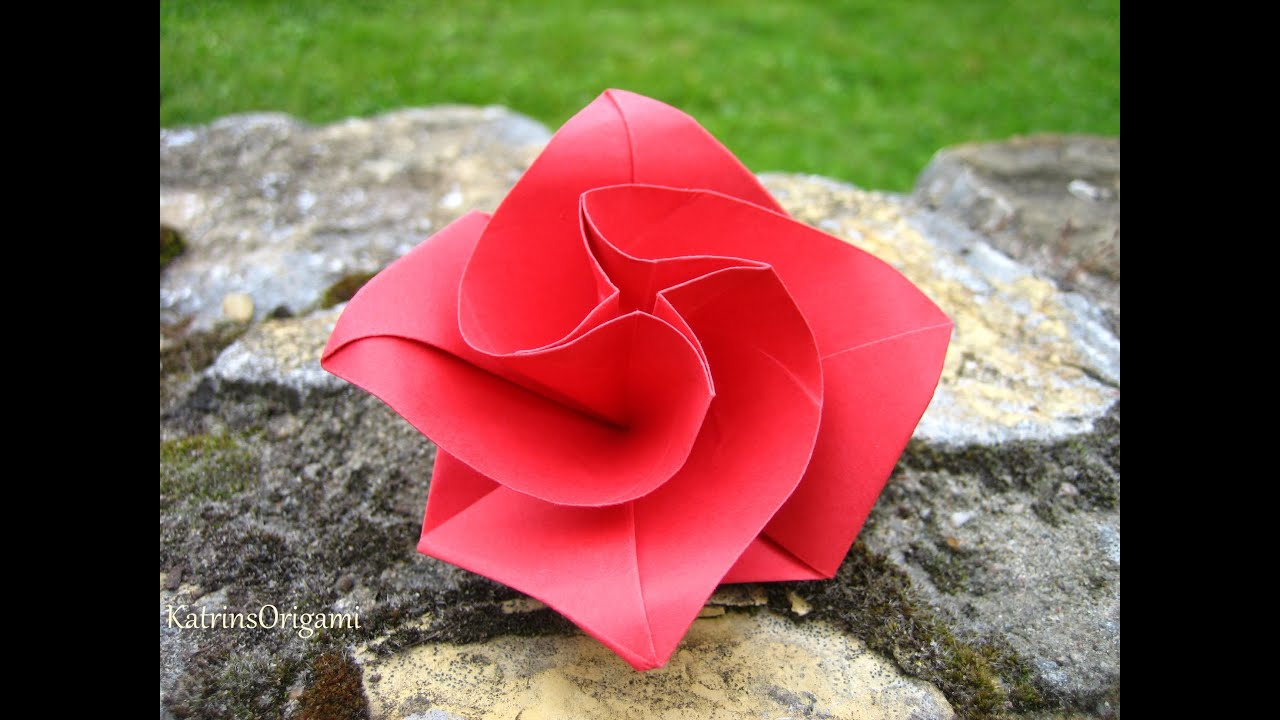 Origami diamondrose squarejumper spinner youtube for Pliage serviette rose