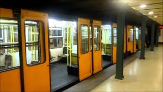 Metro Budapest - Station Vörösmarty tér M1