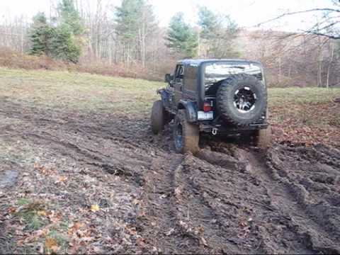 Jeep – XTREM TJ on Mud Road   Spraying some friends with mud chunks