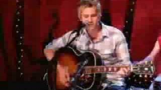 Lifehouse - Hanging By A Moment live