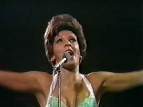 Shirley Bassey - Goldfinger (Live at Royal Albert Hall)