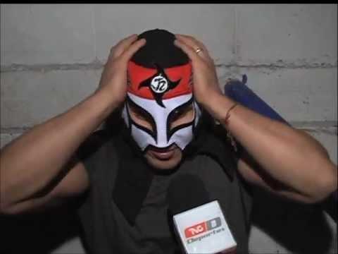 Octagón entrega a Samuray del Sol la máscara de Octagón Jr. (21-11-2012)