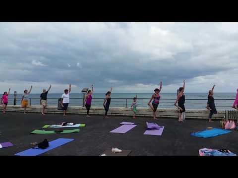 Yoga terrasse du casino  Capbreton  CAP YOGA CLUB juillet 2017
