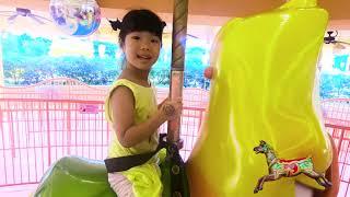 유니와 미니 할아버지와 함께 키즈카페 미끄럼틀 놀이터 핸드폰 놀이 color slide playground for kids & children   Romiyu Story 로미유