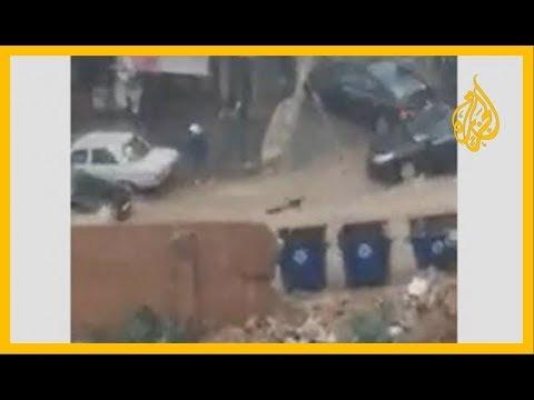 ???? شاهد شبان ينجحون في إنقاذ امرأة جرفتها السيول بطريقة مخيفة في بيروت