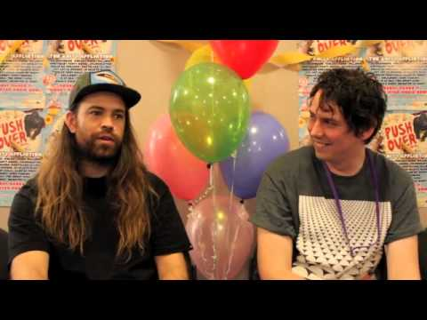 AMH TV - Interview with Violent Soho