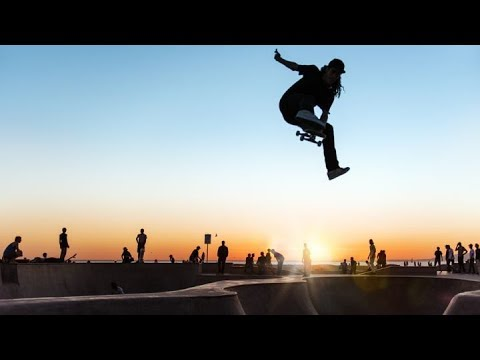 BEST SKATEBOARD TRICKS 2018! SKATE & SKATEBOARDING TRICKS COMPILATION #39