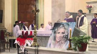 Mass for late singer Sabah at Cairo