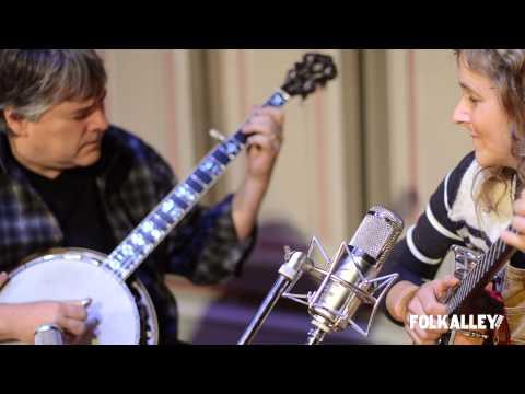 """Folk Alley Sessions: Béla Fleck & Abigail Washburn - """"New South Africa"""""""