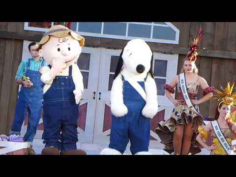 Snoopy's Boysenberry Jam-Boree NEW 2017 Show at Knott's Berr
