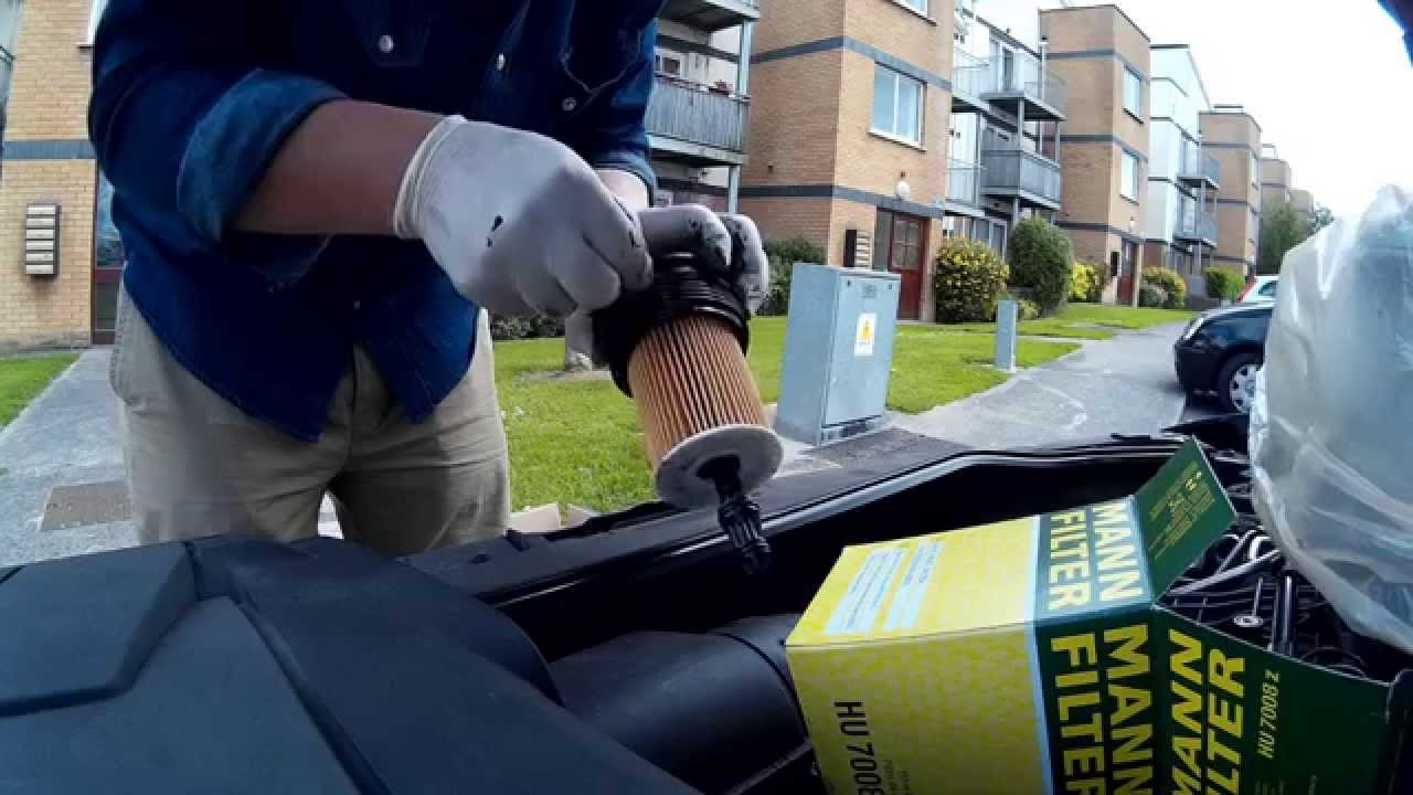 hight resolution of vw passat b7 1 6 tdi car service engine oil air filter fuel filter replacement youtube