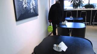 Уничтожение тараканов в кафе(Обработка от тараканов: http://parazit.pro/borba_s_nasekomymi/tarakany Препарат безвреден для человека (4 класс). Уничтожение..., 2014-02-01T10:23:47.000Z)