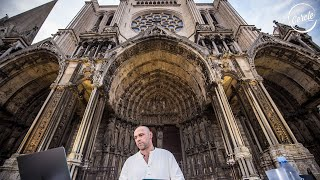 Henrik Schwarz live at Cathédrale de Chartres in France for Cercle