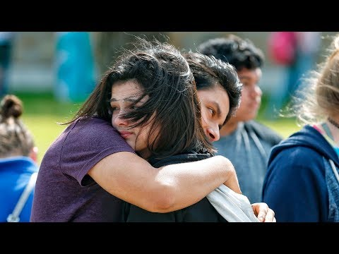 Estimated 8-10 dead in Sante Fe, Texas, school shooting