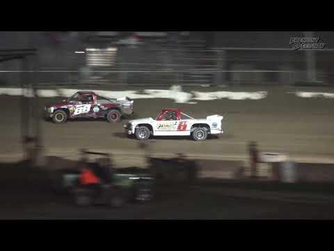 Fremont Speedway Dirt Truck Feature - 9/9/17