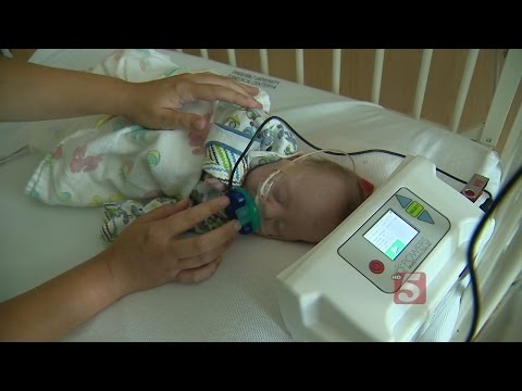 Singing Moms Help Premature Babies Recover
