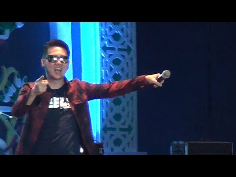FIVE MINUTES - AISYAH (live Palangka Raya)