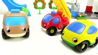 Kinderfilm - Die kleinen Autos sind ja ganz schmutzig - Ab in die Autowaschanlage!