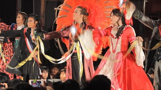 ついに「羽根」が登場! 宝塚歌劇の完全コピーを目指して公演を続けている東海高校カヅラカタ歌劇団の2019年秋公演のフィナーレで、宝塚を彷彿とさせる「羽根」が本公演としては初めて披露されました
