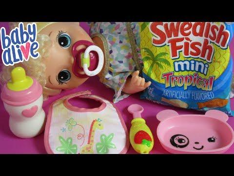 Feeding Baby Alive Super Snacks Snackin Treats Swedish Fish Candies