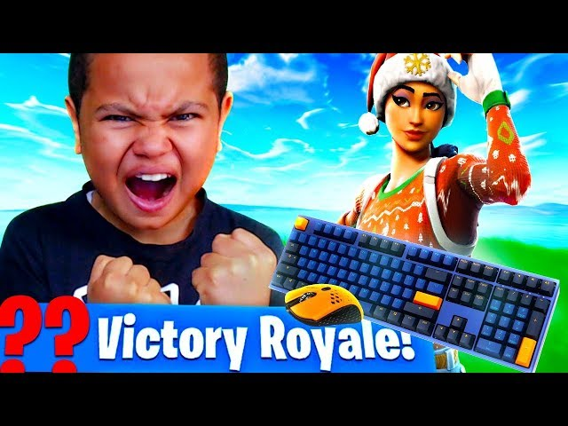 MY LITTLE BROTHER PLAYS ON PC FOR THE FIRST TIME EVER OMG!!! HE FOUGHT A PRO FORTNITE BATTLE ROYALE!