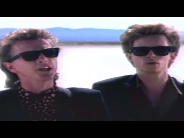 the-rembrandts-thats-just-the-way-it-is-baby-video-golden-eighties