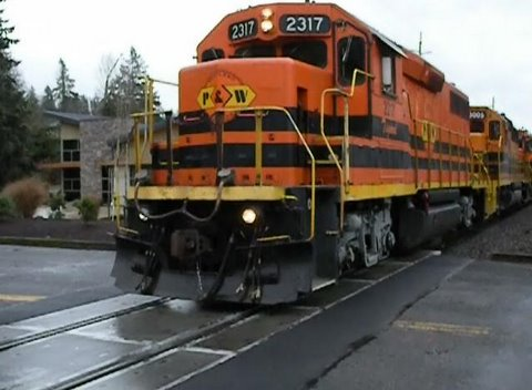 PW 2317 (12-13-08) Freight at Minto Brown Crossing (Part 1)