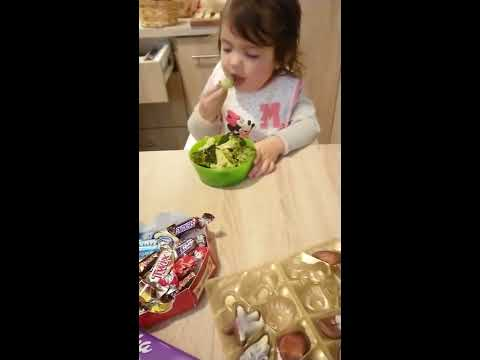 Lori - Little Girl ONLY Wants Broccoli? Unheard Of!