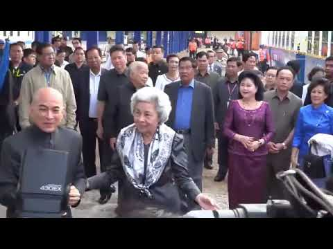 2016 12 31 10 52 Cambodian King, Queen Mother and Samdech Techo Prime Minister and First lady travel