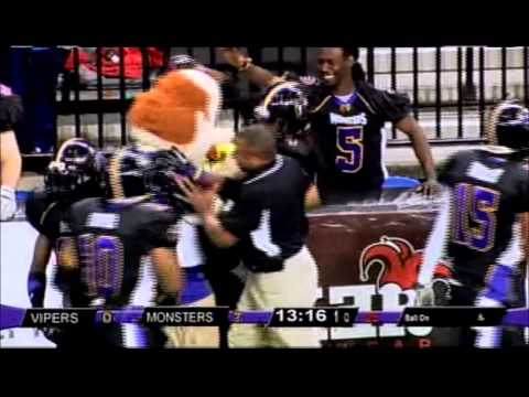 Mascot Scores 1st Points in Professional Football Game (Floyd - Missouri Monsters)
