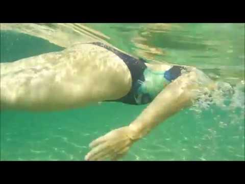 女装 競泳水着で海水浴 2017年の夏 (水中撮影)