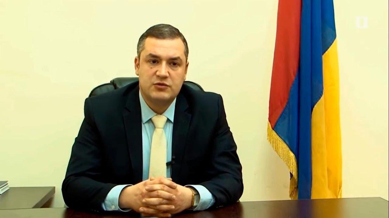 Тигран Уриханян - Биография