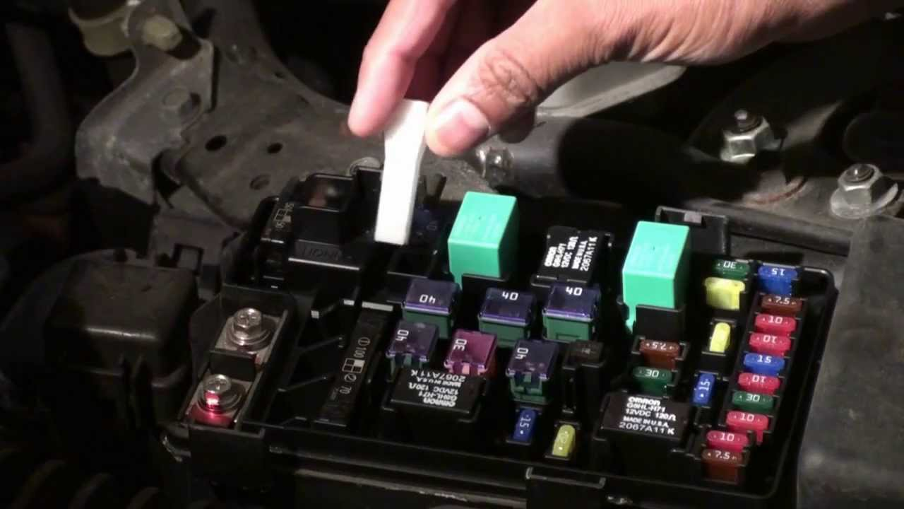 maxresdefault how to diagnosis and change the fuse of honda accord 2007 youtube 2006 honda accord fuse box diagram at webbmarketing.co