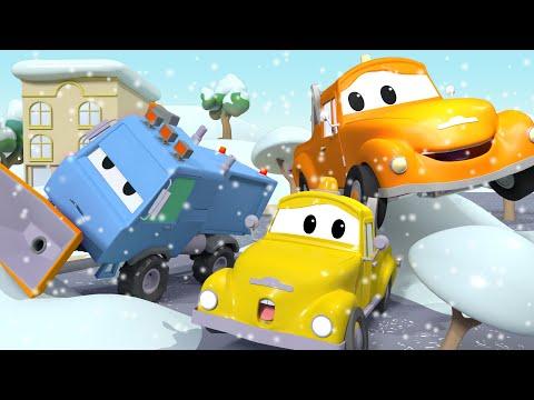 Sněžný pluh Sam se převrátí na bok! - Odtahové auto Tom ve Městě Aut/ Animáky o autech