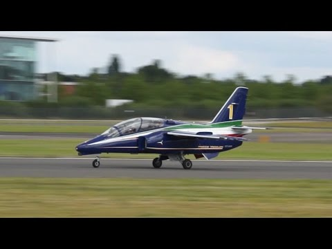Alenia Aermacchi M-345 takeoff at Farnborough Airshow 2014 CPX619
