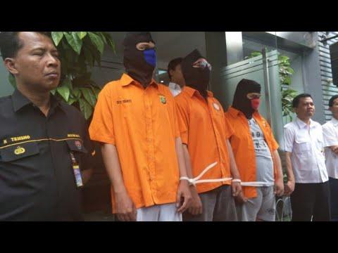 """""""Black Hat"""" Kelompok Peretas Asal Surabaya Yang Dicari FBI"""