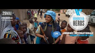 Video Honorer Les Casques Bleus: Journée internationale des Casques bleus de l'ONU 2016 download MP3, 3GP, MP4, WEBM, AVI, FLV Oktober 2017