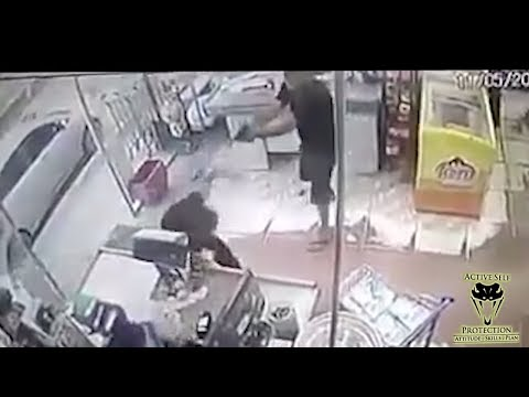 Defender Waits His Turn and Goes to Work on Robbers | Active Self Protection