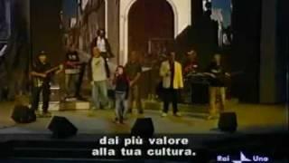 """Sud Sound System ospite di A. Celentano a Rockpolitic: """"Le Radici Ca Tieni"""""""