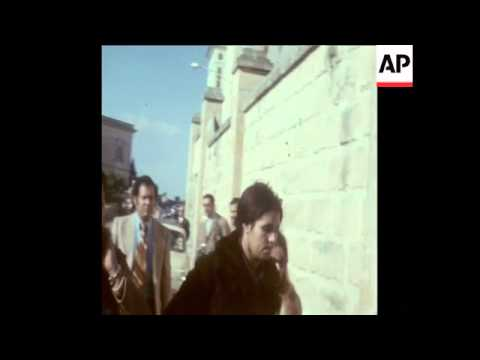 SYND 27-11-73 COLONEL GADDAFFI VISTS PRIME MINISTER MINTOFF IN MALTA
