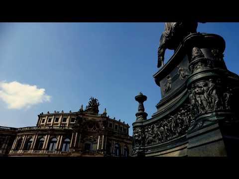 Opera Sempera i pomnik Sempera (Semperoper Dresden)